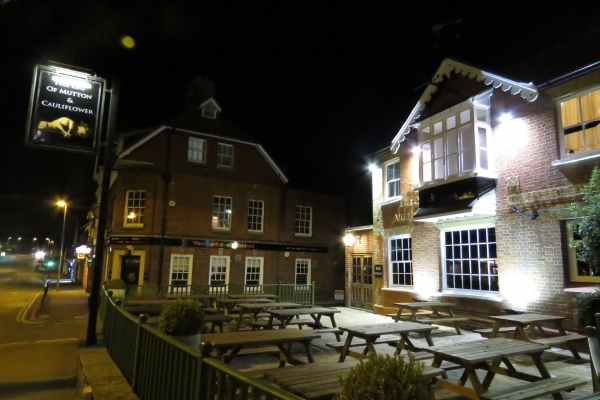 front-of-pub-at-nightD032C0B2-AF08-3CC5-23DA-826F747F1111.jpg